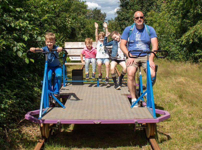 Spoorfietsen in Hengelo met kinderen